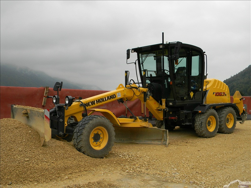 New Holland F 106.7 A