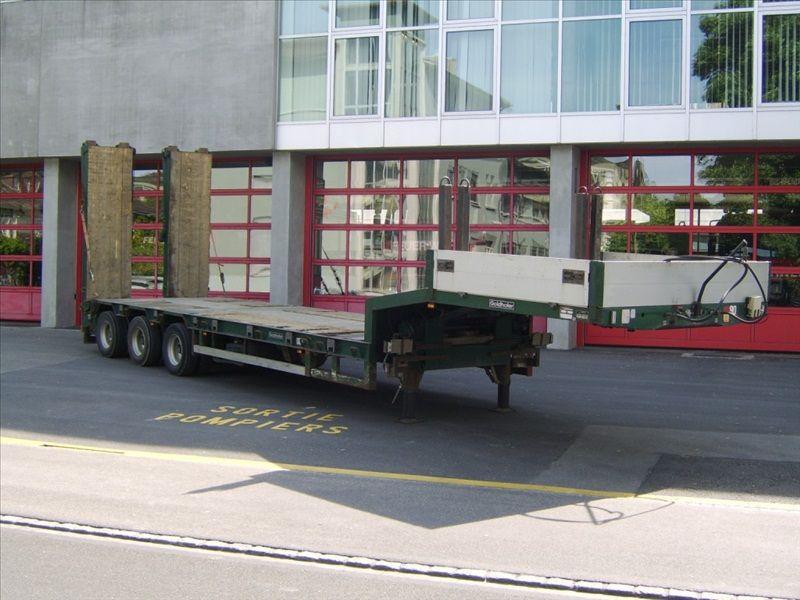 Goldhofer 3 essieux avec rampe