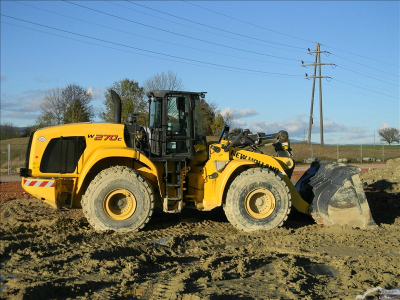 New Holland W 270 C