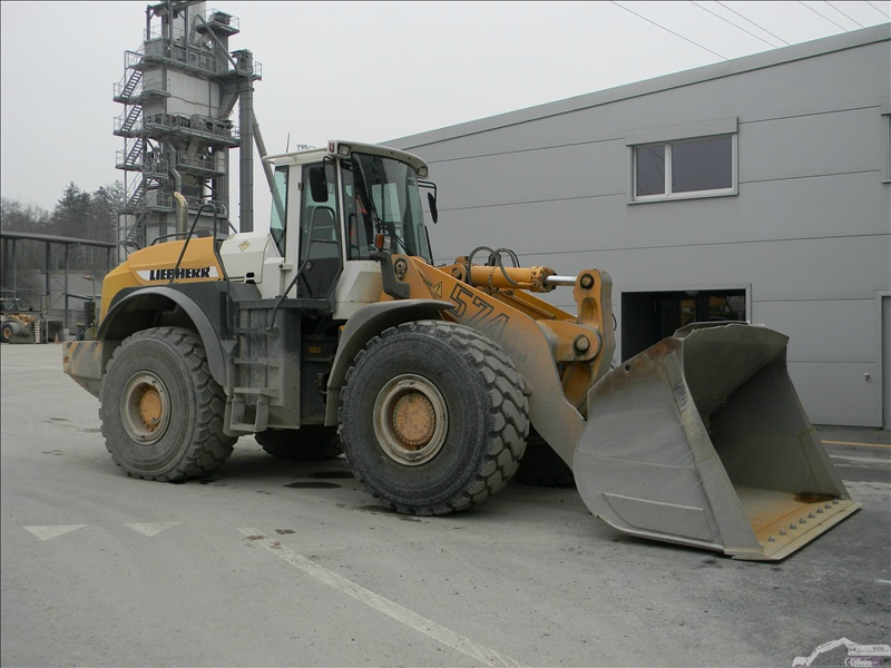 Liebherr L 574 2 plus 2