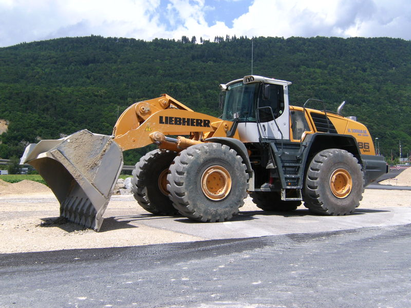 Liebherr L 586 2 plus 2