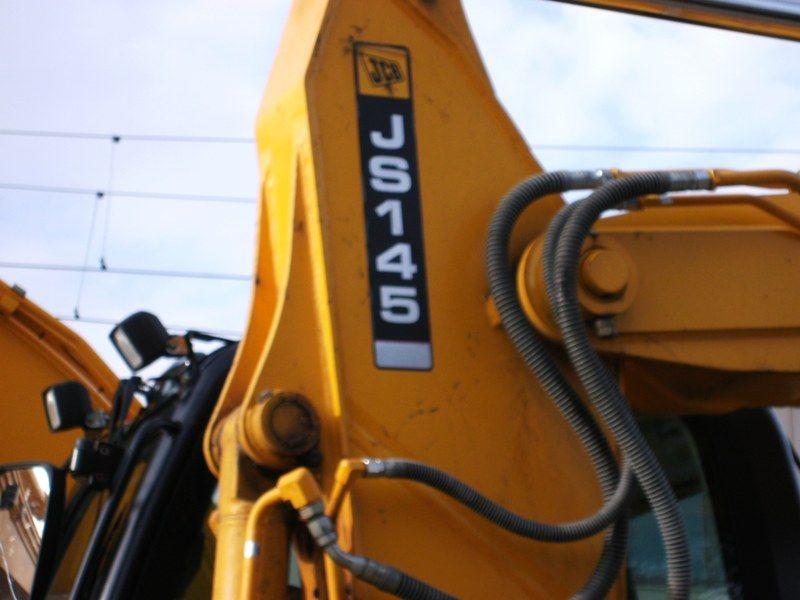 JCB JS 145