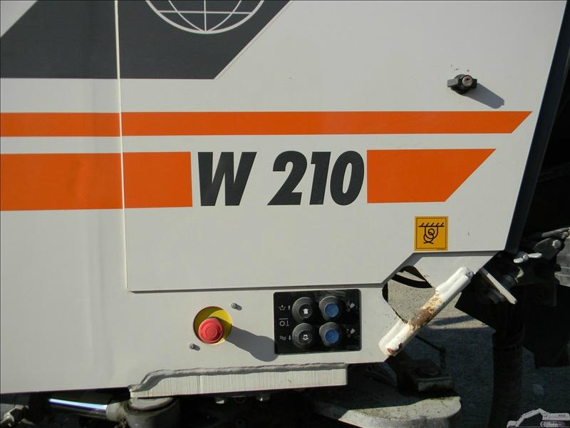 Wirtgen W 210