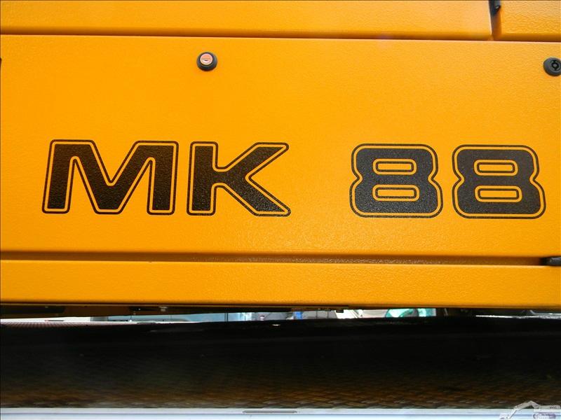 liebherr mk 88 engins chantiers. Black Bedroom Furniture Sets. Home Design Ideas