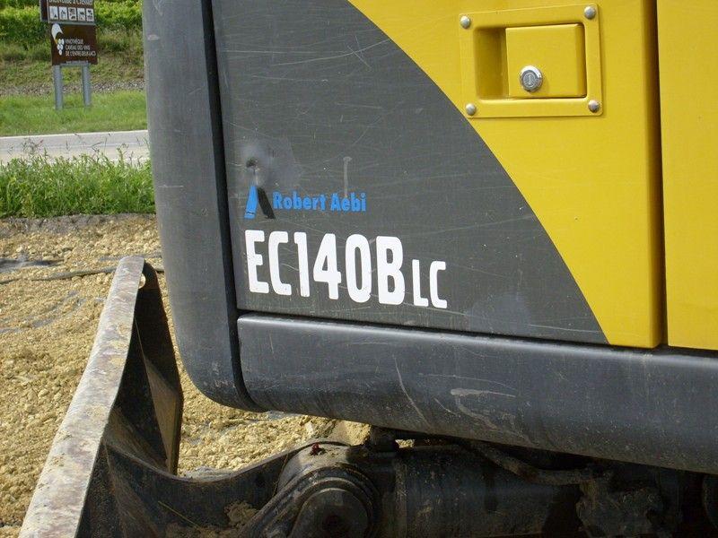 Marquage des pelles sur chenilles Volvo EC.