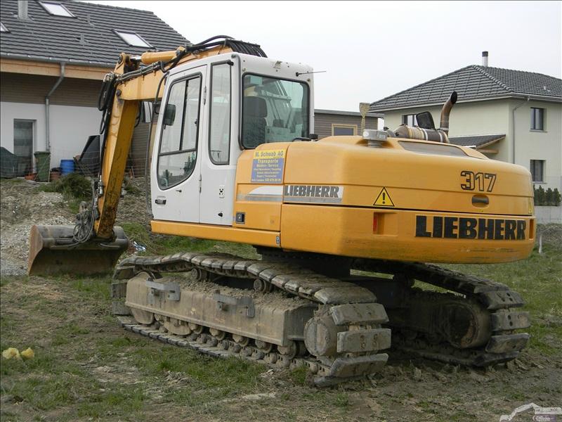 Liebherr R 317