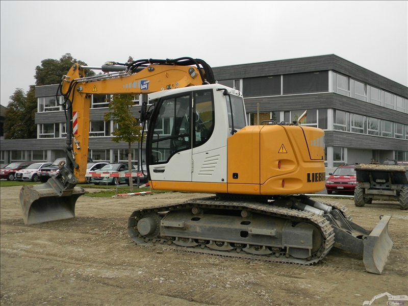 Liebherr R 914 compact