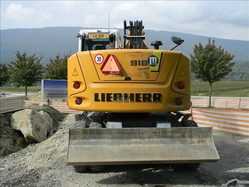 Liebherr A 918 compact